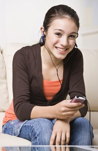 Girl listening to MP3